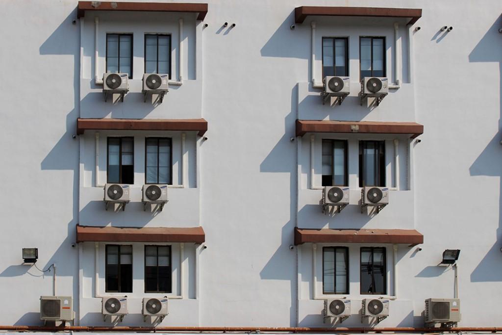 systemy-chlodzenia-ogrzewania-do-nowoczesnego-domu